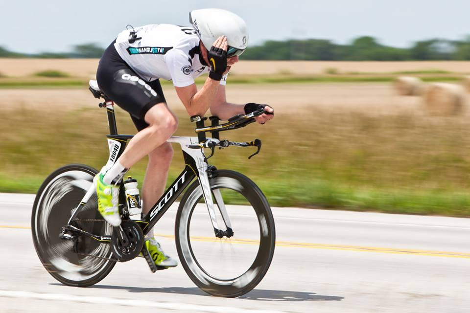 Keith Murray of Allied Forces rides in the Race Across America - photo by Vic Armijo