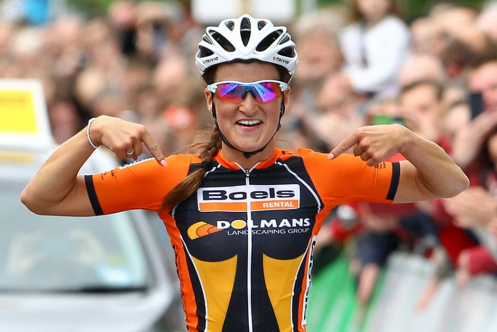 Lizzie Armitstead wins 2013 nats road race (picture Alex Whitehead:SWPIX.COM)