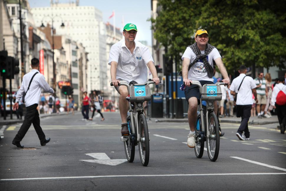 London cycling (CC BY-NC 2.0 licensed by the DCMS:Flickr)