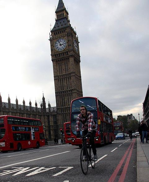 London cycling Image by Flickr user Motorblog