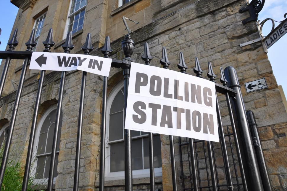 Polling Station (Flickr Creative Commons - Simon Clayson)