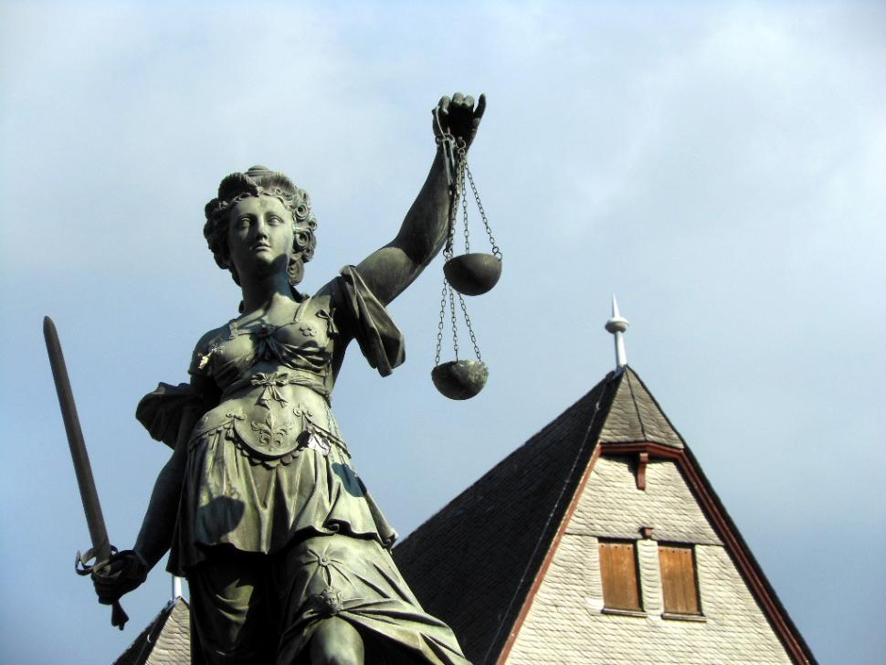Scales of Justice (CC BY-SA 2.0 licenced by Michael Coghlan:Flickr)