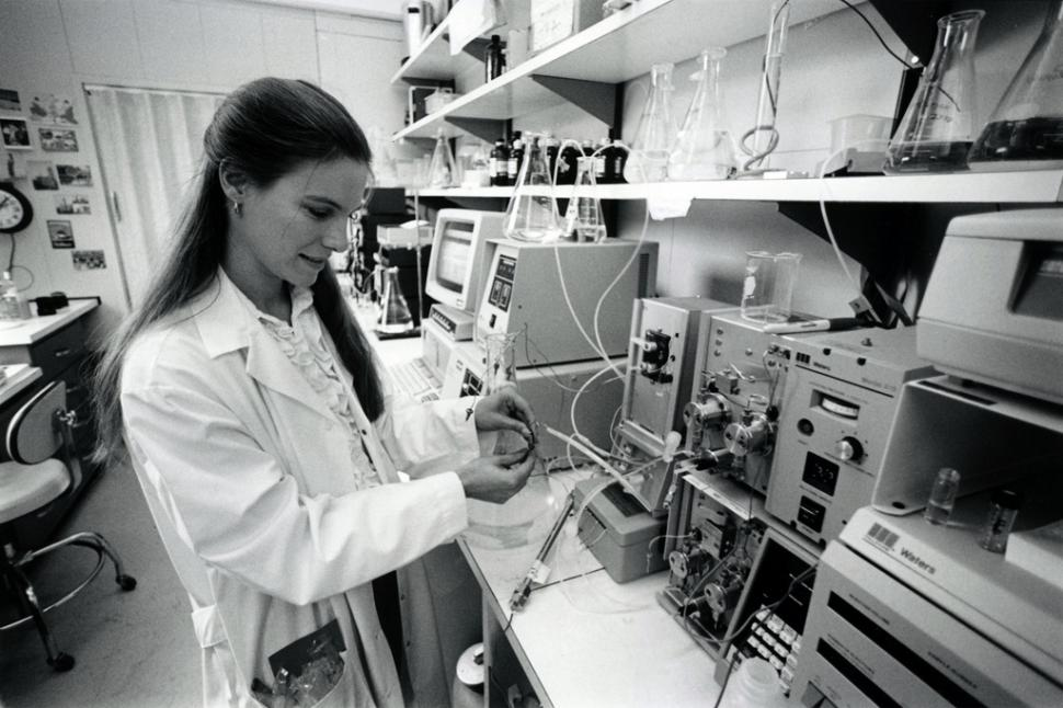 Scientific researcher (US Government:Flickr)