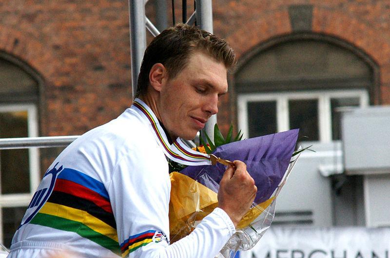 Tony Martin after wining 2011 WC TT (Mogens Engelund, Wikimedia Commons)