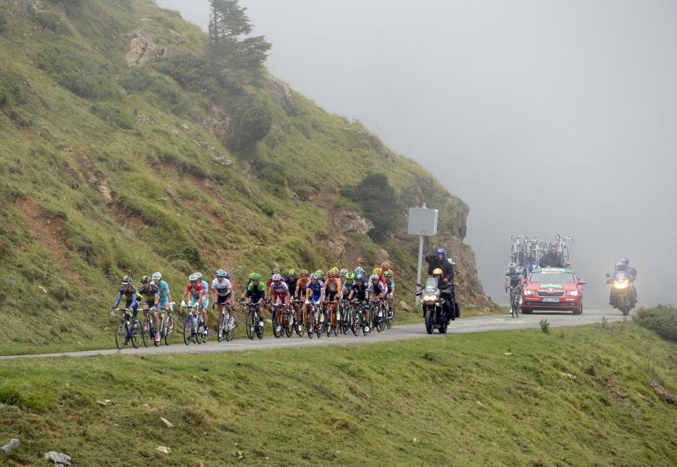 Vuelta 2013 S15 GC group on Port de Bales (© Unipublic:Graham Watson)