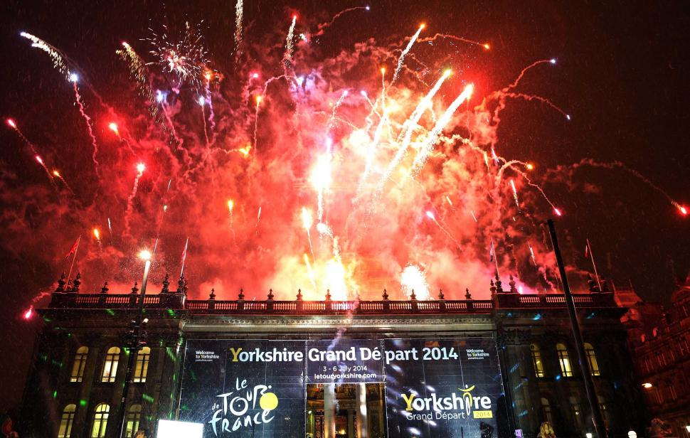 Yorkshire Grand Depart Fireworks (picture copyright Vaughn Ridley:SWPix.com)