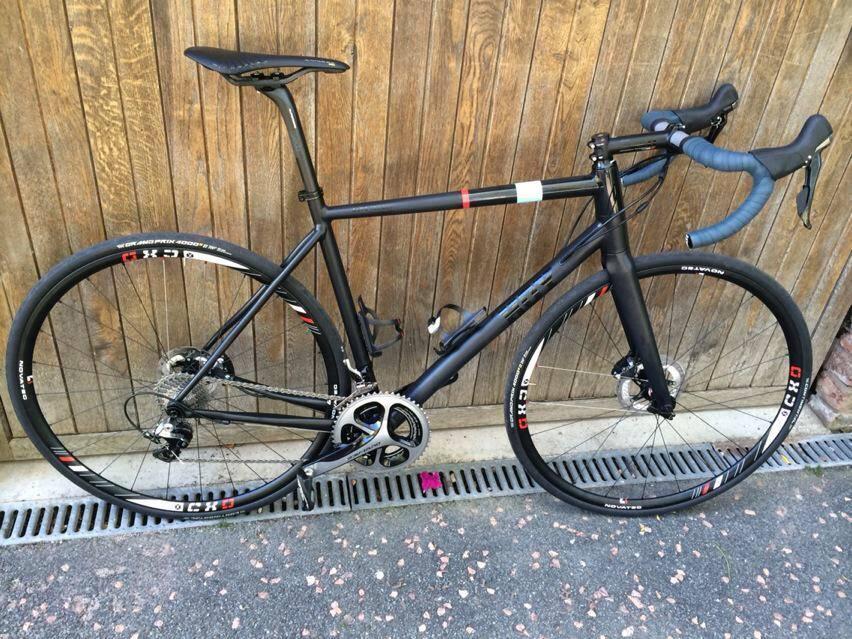chris hoy disc road bike