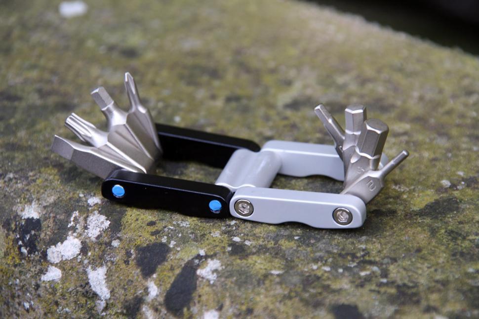 One23 MT-F8 8-in-1 Mini Tool - open