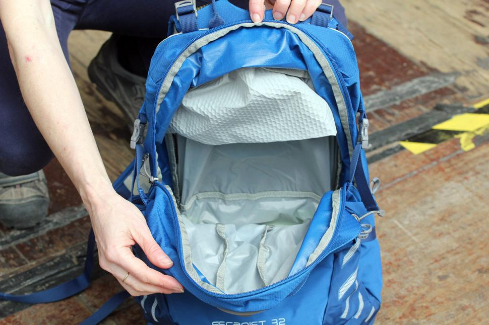 Osprey Escapist 32 Back Pack - main compartment