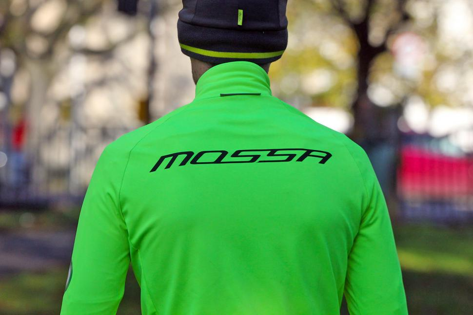 390b760e7b047 The Parentini Mossa is a race-fit waterproof and windproof jersey that  copes well with the rapidly changing and impossible-to-predict British  winter ...
