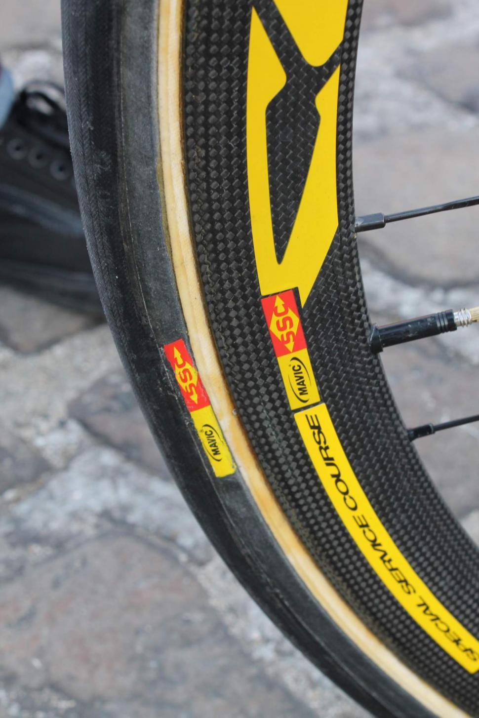 paris roubaix 2013 - Mavic wheels and tyres