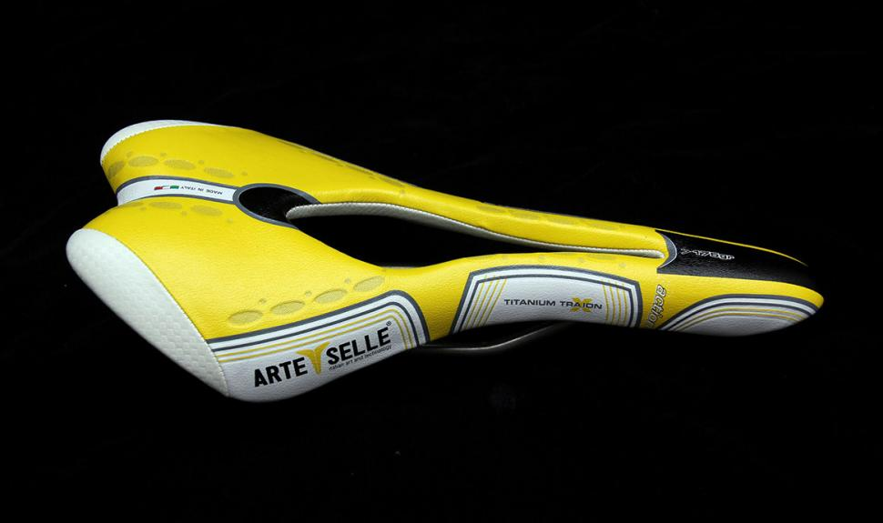 Arte Selle Misy 3 Action Titanium saddle