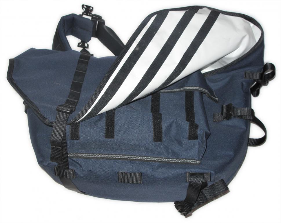 Levrier Greyhound messenger bag