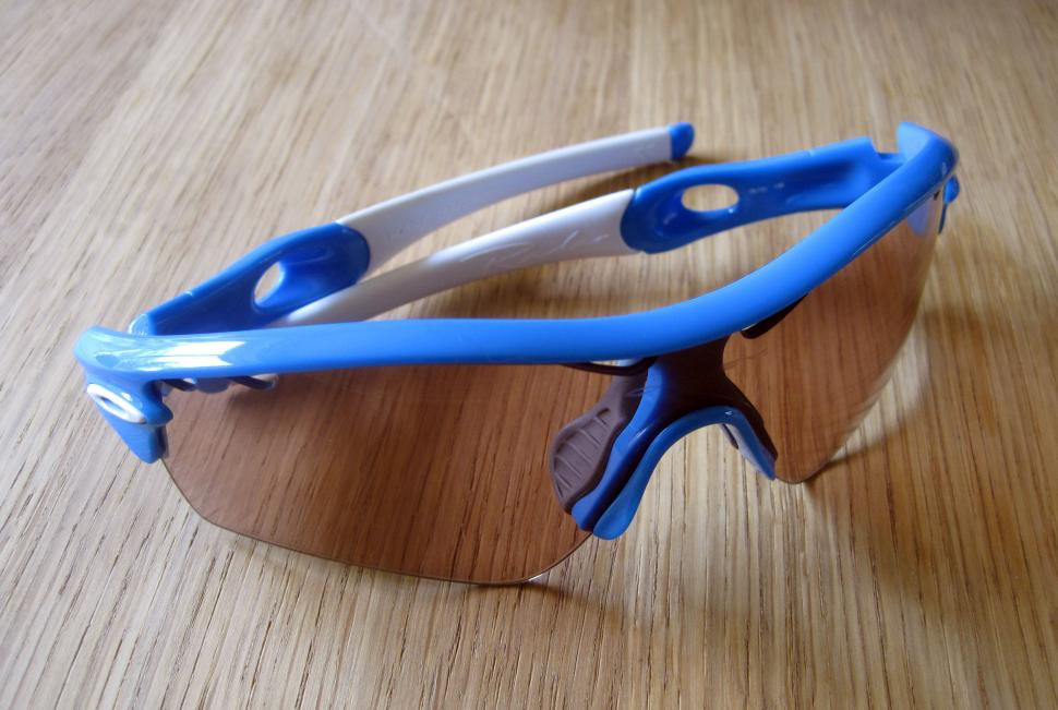 7a7bf53c93 Review  Oakley Radar Path Photochromic eyewear