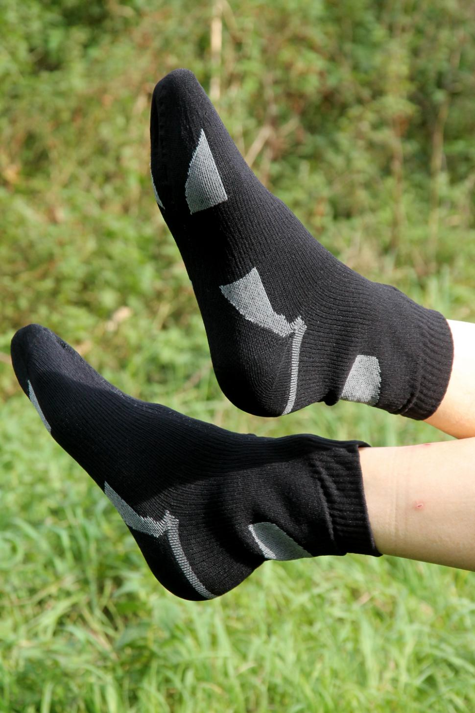9e90f1121 Review  Sealskinz Thin ankle length socks
