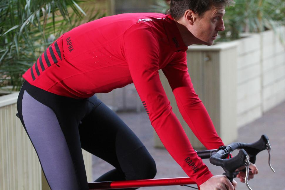 Review  Rapha Pro Team Softshell Jacket  df832ee08