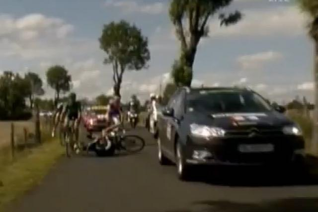 TdF Stage 8 Media car (1)