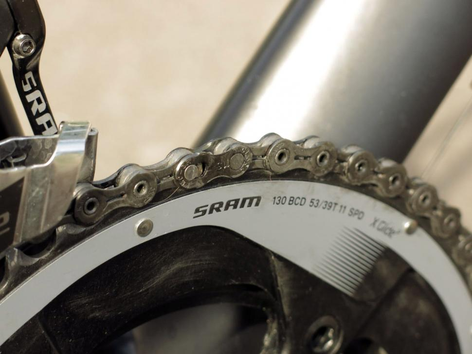 SRAM Force 22 - chain