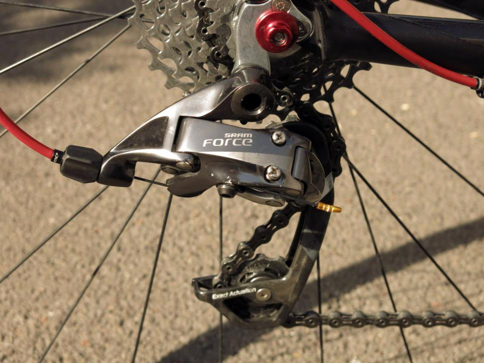SRAM Force 22 - rear mech