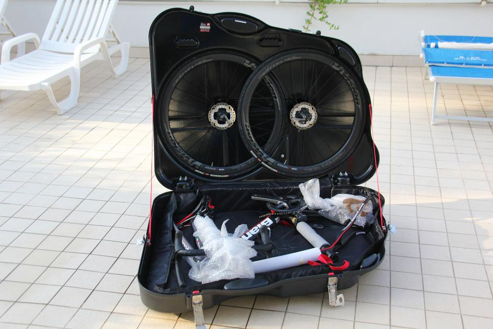 42ae2aa41ee4 Review: Scicon Aerotech Evolution bike hard case | road.cc