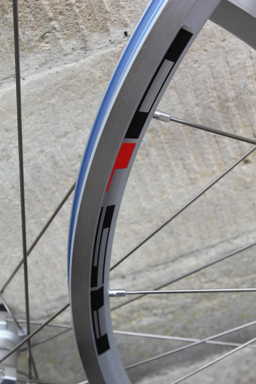 15c2f58a403 Review: Shimano RS10 wheelset   road.cc