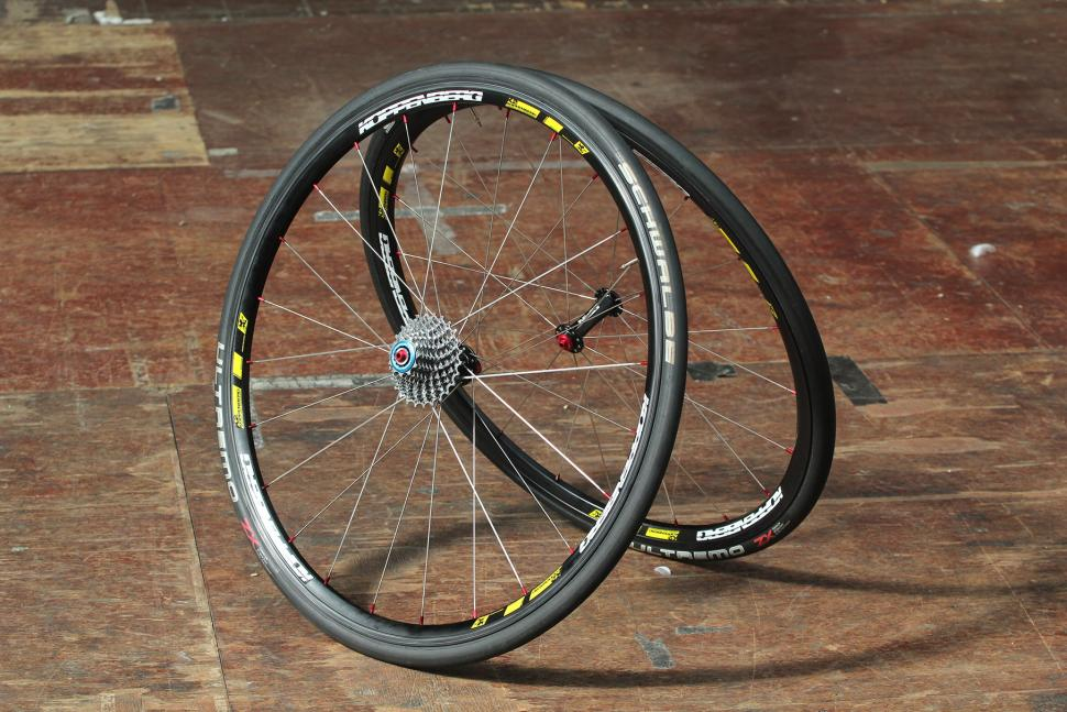 Review Spin Koppenberg Max25 25mm Wide Fat Boy Clincher