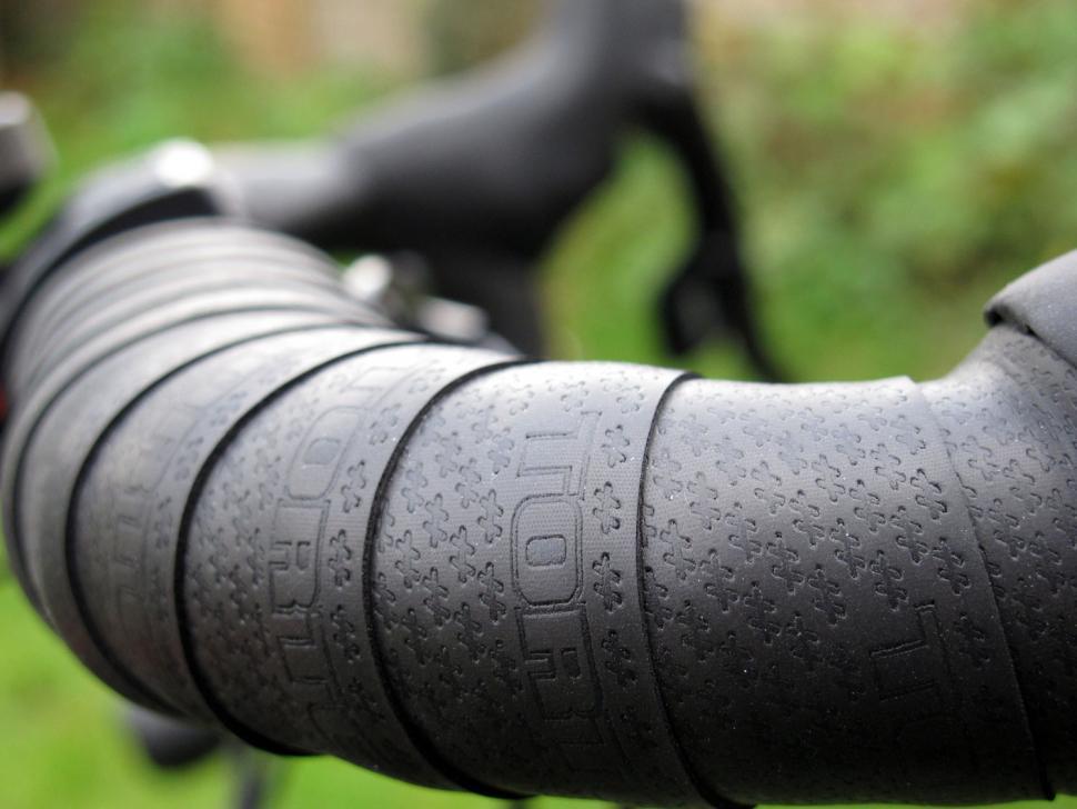 Black NEW Shimano PRO Race Comfort Handlebar Bar Tape Set Smart Road Bike