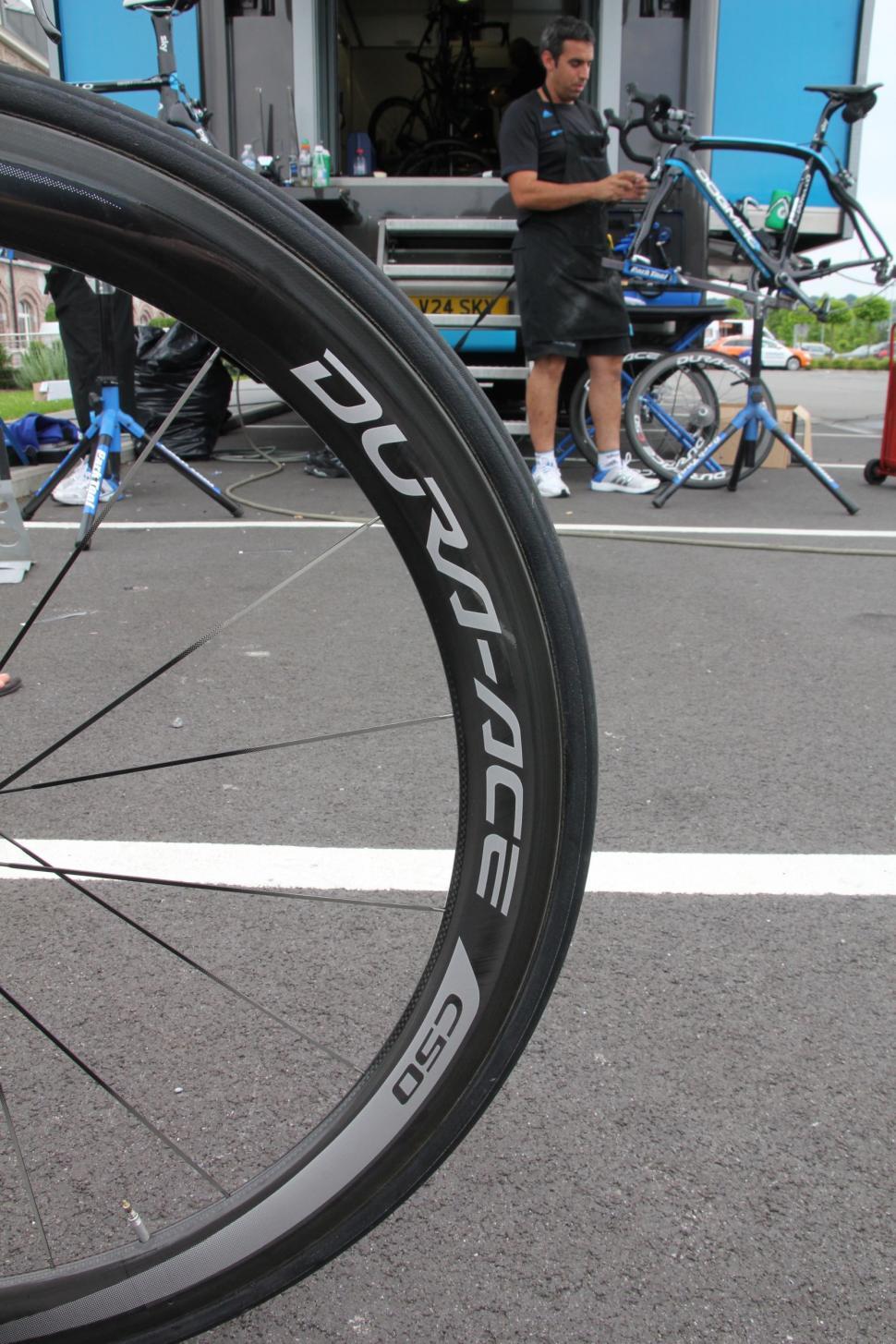 Mark Cavendish Pinarello Dogma 2  - Dura Ace wheel