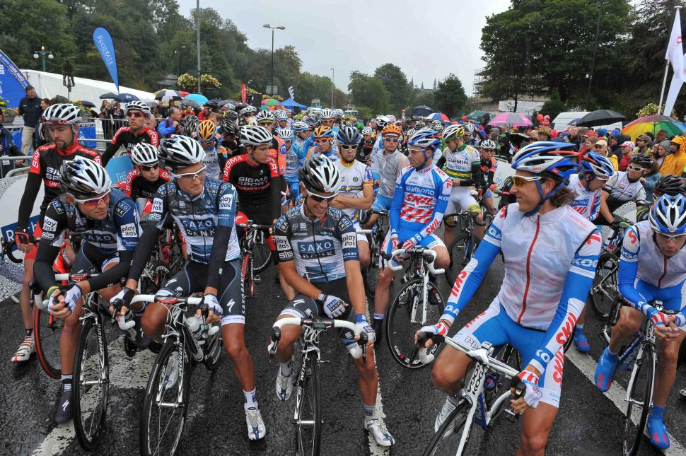 Tour of Britain 2010 gets under way in Rochdale (picture credit Tour of Britain)