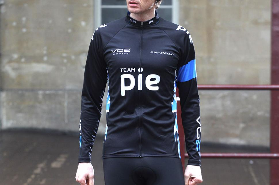 Review  VO2 Sportswear Team Pie Long Sleeve Cycling Jersey  5e0d8dedf
