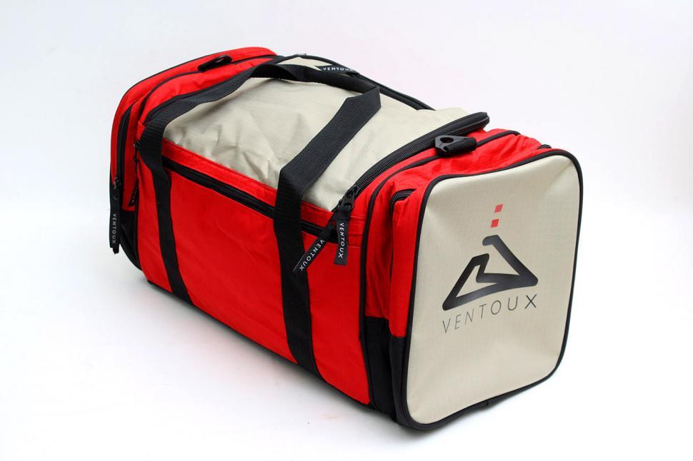 Review  Ventoux Gym Bag  d657ea7936ab4