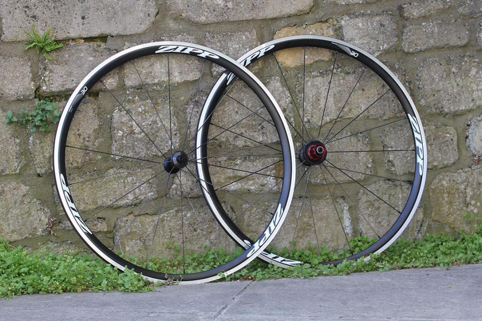 review zipp 30 clincher wheels