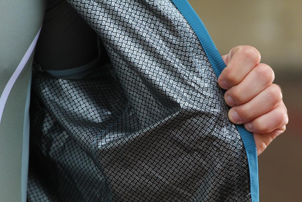 dhb Cosmo jacket - lining