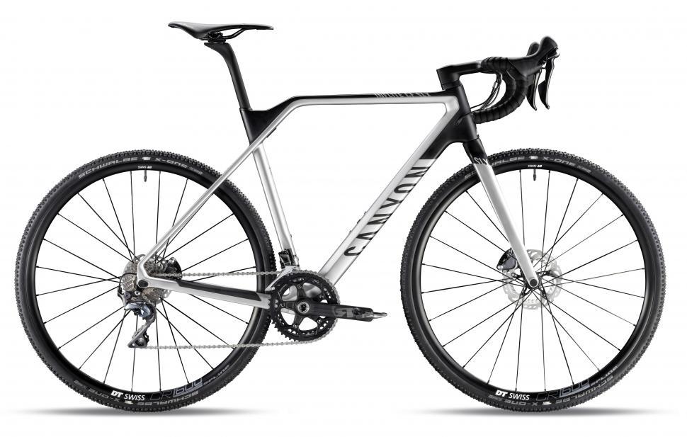 Inflite CF SLX 9.0 - Aero Silver - Copyright - Canyon Bicycles.jpg