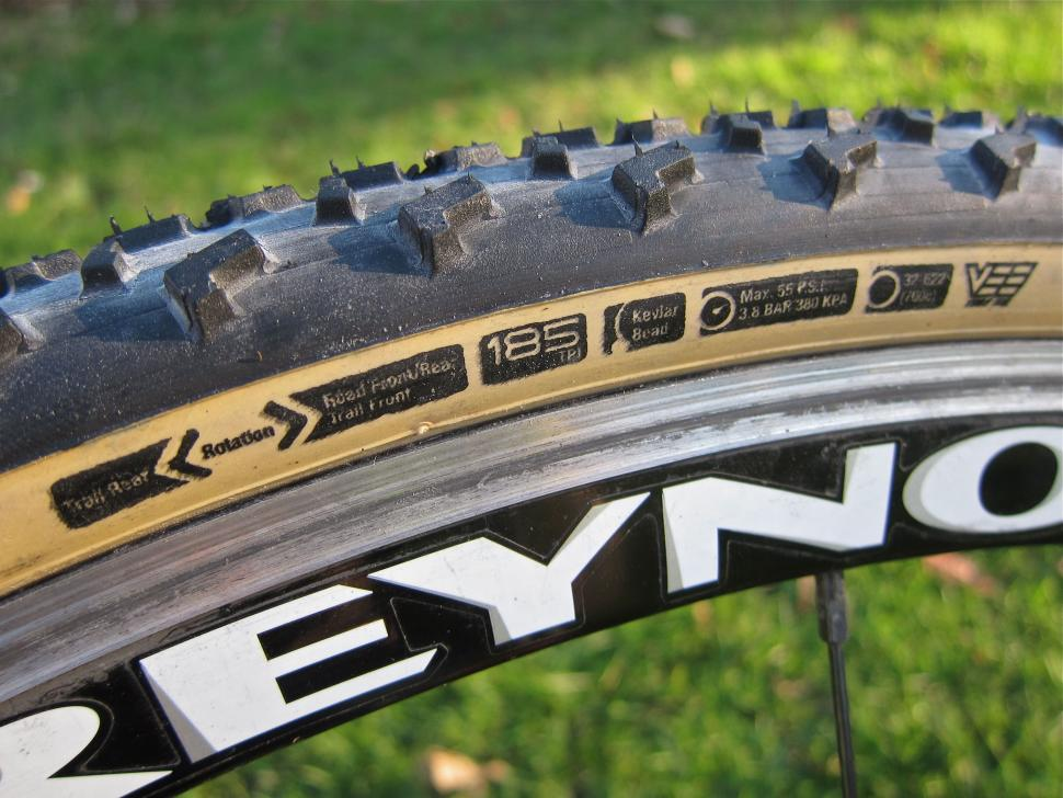 Islabikes Greim Pro cyclo-cross tyre 700 x 32c - Sidewall Details.jpg