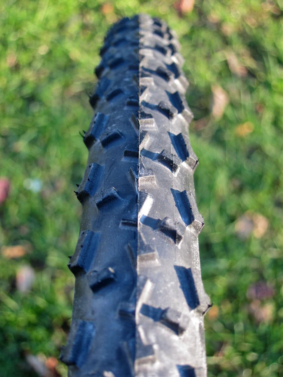 Islabikes Greim Pro cyclo-cross tyre 700 x 32c - Tread On.jpg
