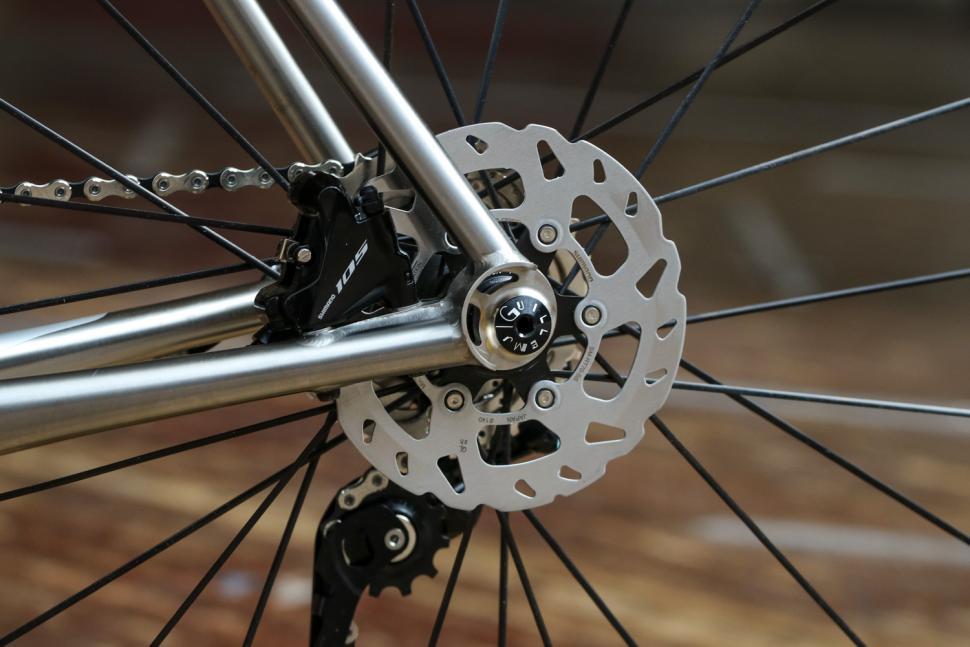 J Guillem Major - rear disc brake.jpg