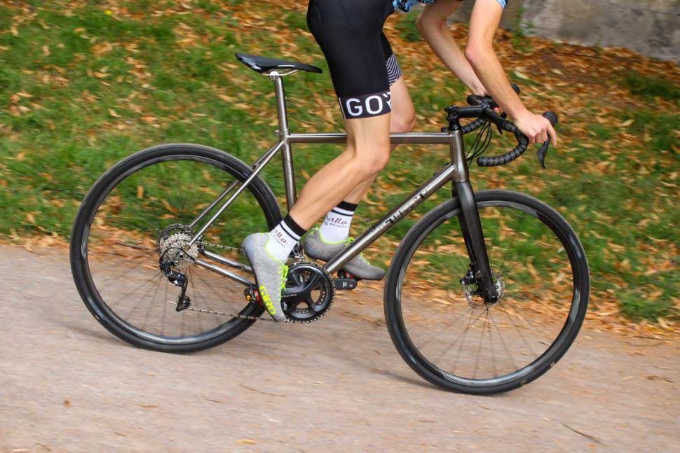 j_guillem_atalaya_-_riding_1.jpg