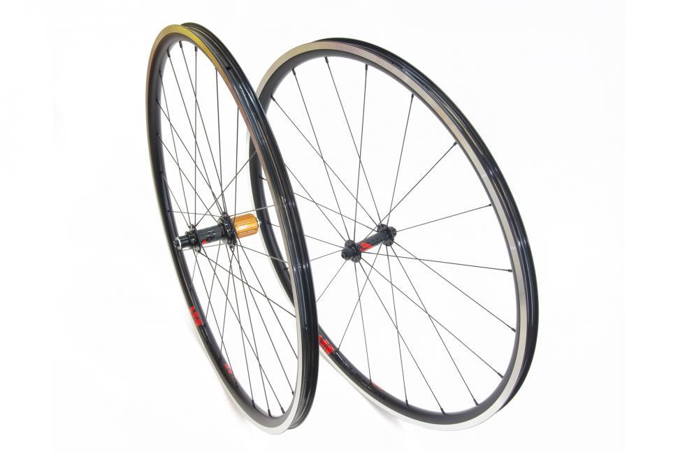 jra_lark20light_wheels.jpg