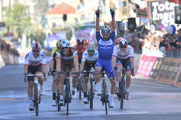 Julian Alaphilippe wins Milan-Sanremo ( LaPresse - D'Alberto)