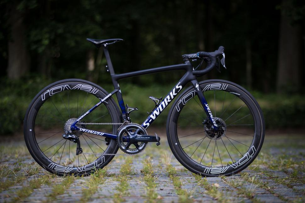 Julian Alaphilippe's Specialized S-Works Tarmac8