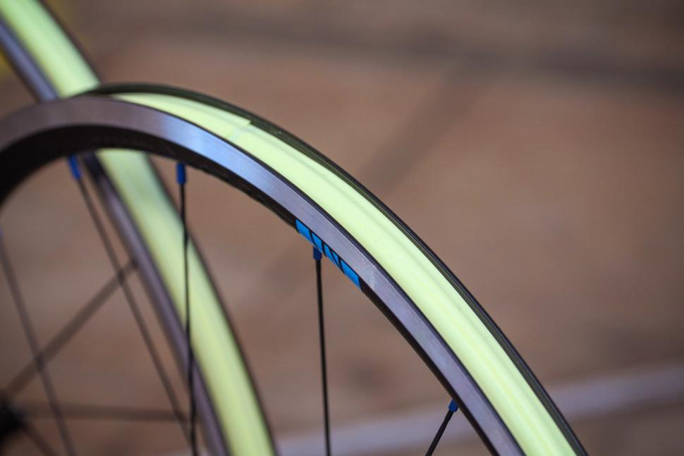 Just Riding Along Lark20 light road wheelset - rim bed.jpg