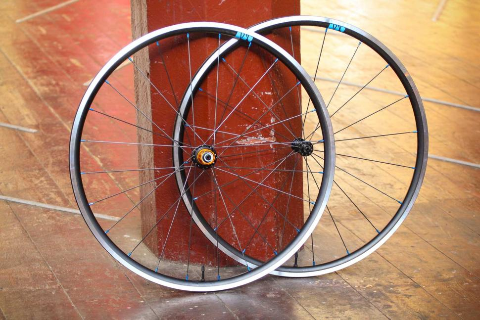 Just Riding Along Lark20 light road wheelset.jpg