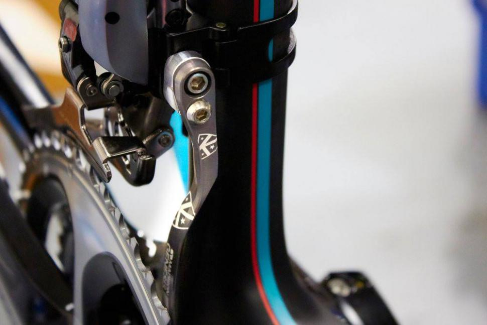 K-Edge Chain Catcher on Madison Genesis team bike (©Madison Cycles).JPG