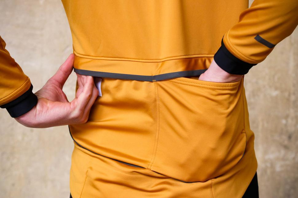 Kalf Club Men's Softshell Jersey - pockets.jpg