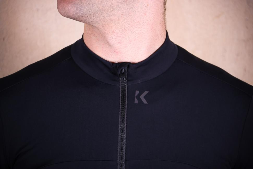 Kalf Club Thermal Men's Long Sleeve Jersey - collar.jpg