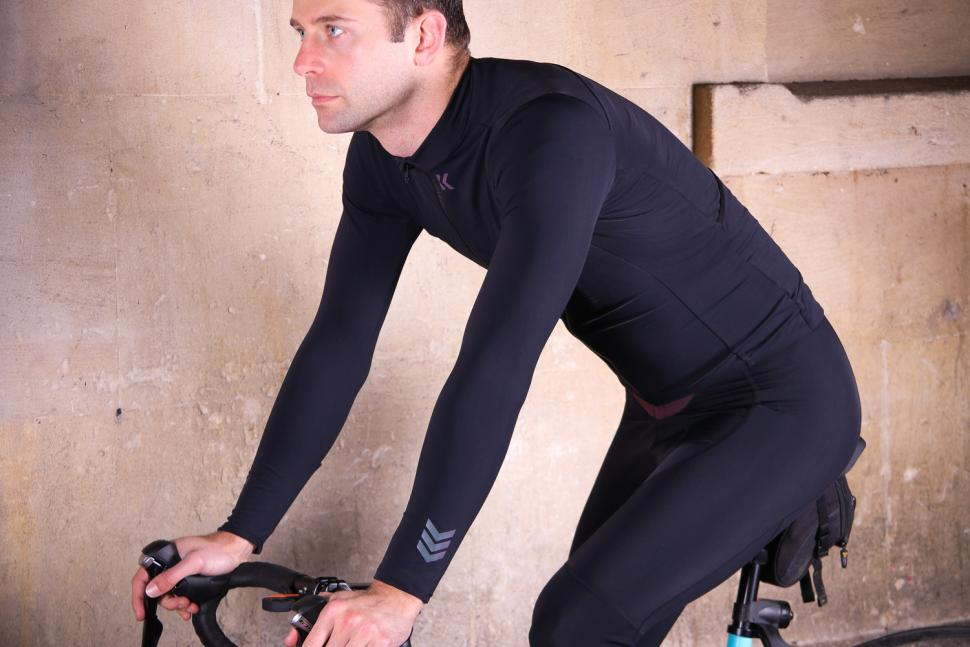 Kalf Club Thermal Men's Long Sleeve Jersey - riding.jpg