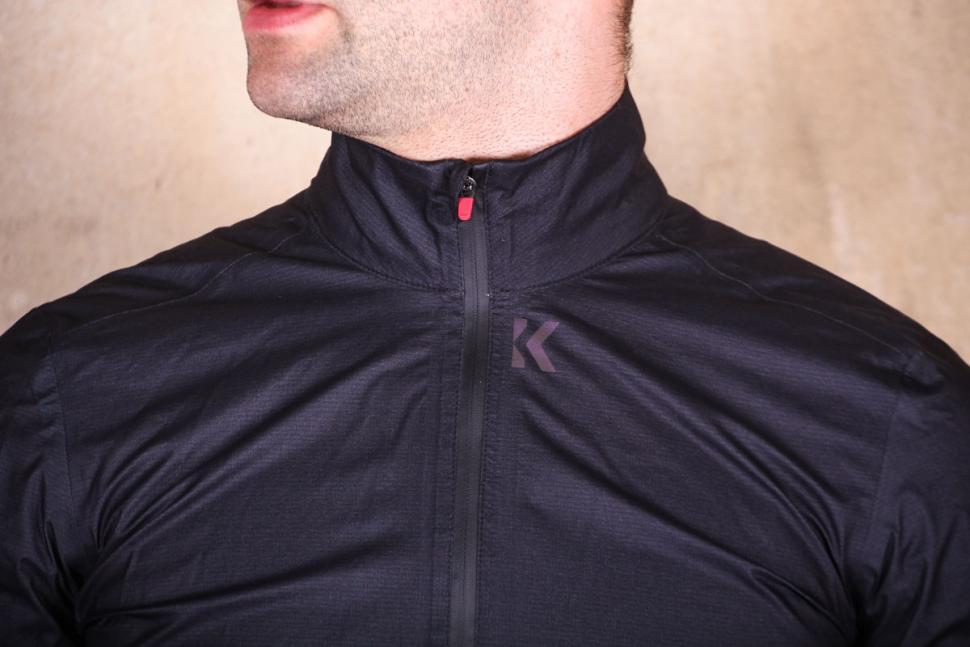 kalf_flux_lightweight_jacket_-_collar.jpg