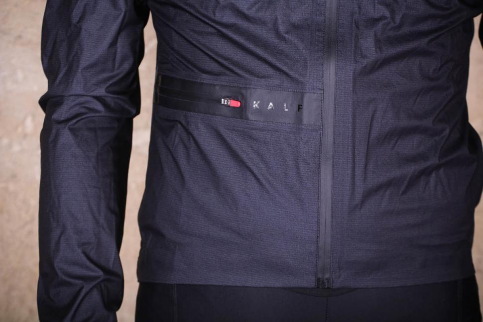 kalf_flux_lightweight_jacket_-_detail.jpg