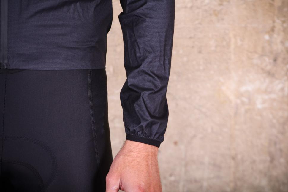 kalf_flux_lightweight_jacket_-_sleeve.jpg